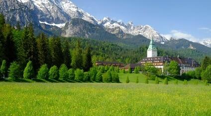 Schloss Elmau – berühmtes Bauwerk mit Solnhofer